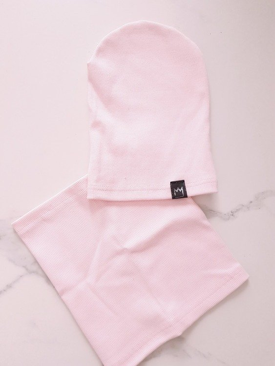 CAP+COWL POWDER PINK STRPIES